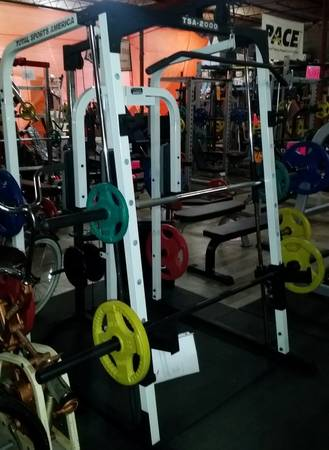 Total Sports America TSA 2000 Smith Machine Gym & Pec Fly & Lat